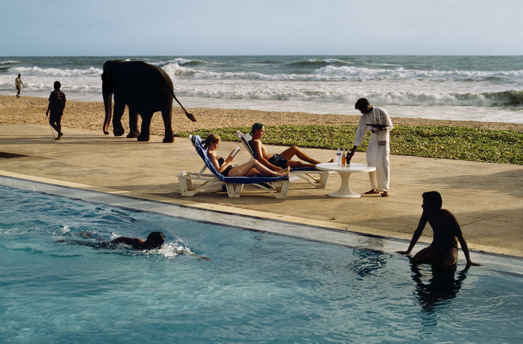 Steve McCurry, Tourists at a Resort, Bentota, Sri Lanka, 1995 Fuji Crystal Archive print, edition 3/10 (printed 2018), 40 x 60 in. Collection of the Tucson Museum of Art. Museum Purchase, funds provided by Robert and Sheryl Greenberg. 2018.35.2 Courtesy of the Artist. © Steve McCurry